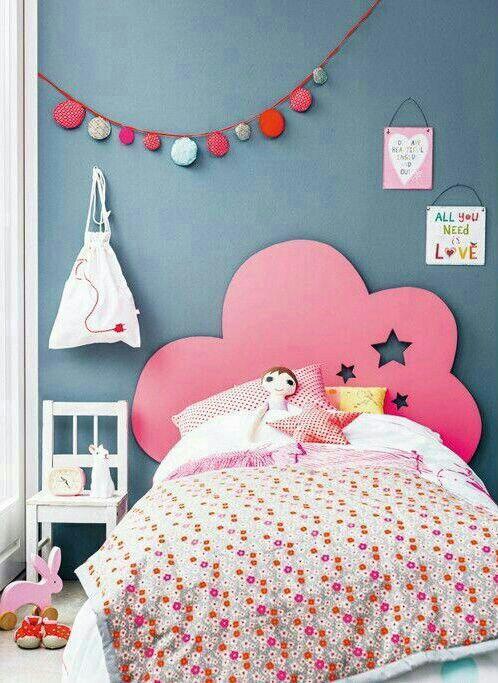 tipos de camas para niños. Cabecero de nube