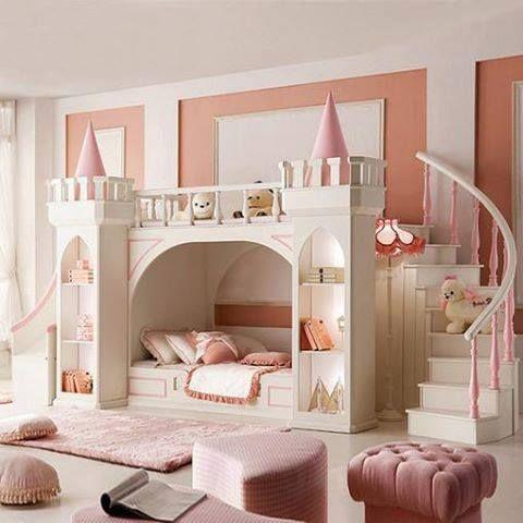 tipos de camas para niños. Cama con forma de castillo de princesa