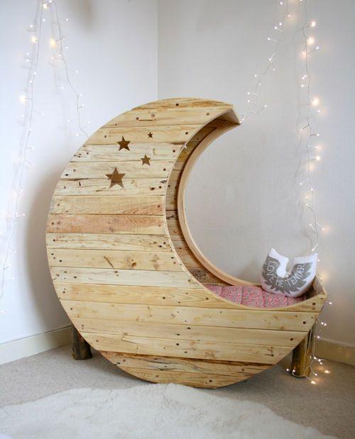tipos de camas para niños. Cama con estructura de luna