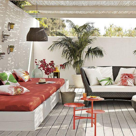 decoración para terrazas de verano combinando distintas piezas