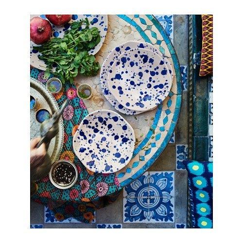 decoración de mesas de verano en tono hueso y azul
