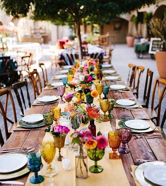 decoración de mesas de verano coloridas