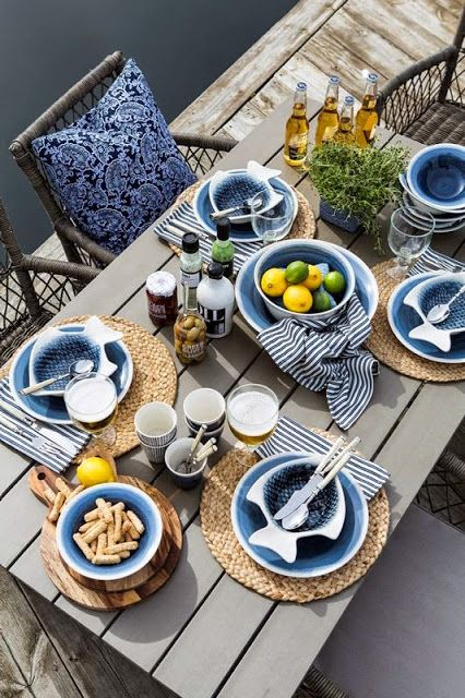decoración de mesas de verano en tonos azules