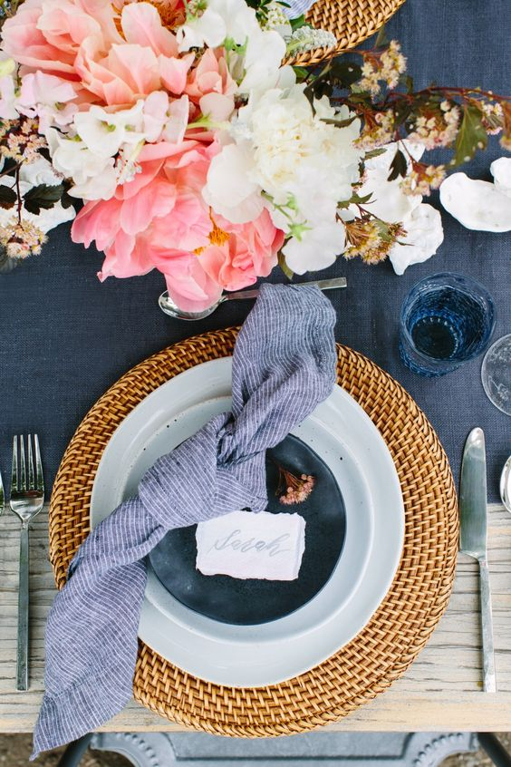 decoración de mesas de verano elegantes