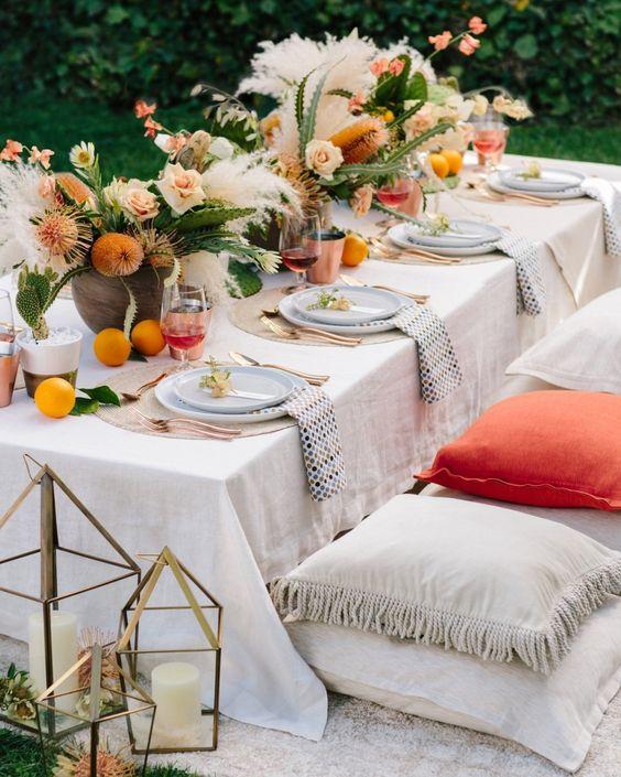 decoración de mesas de verano en almohadones