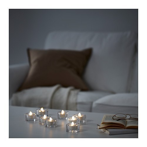 decoración de mesas de verano con velas a pilas