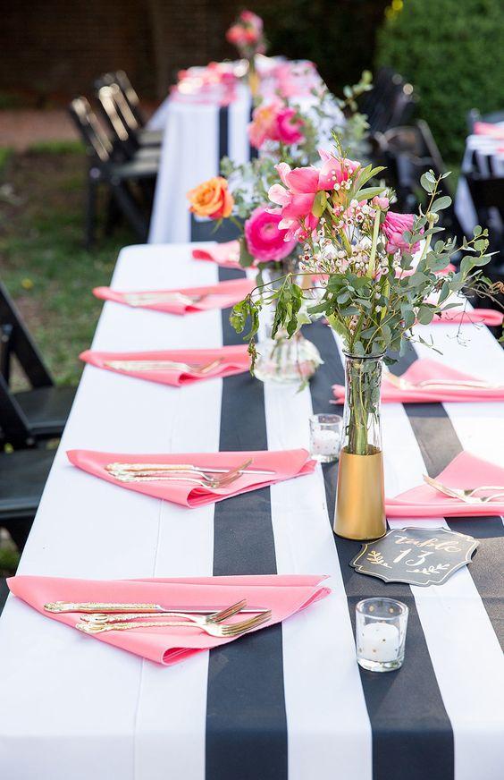 decoración de mesas de verano con mantel de rayas marineras