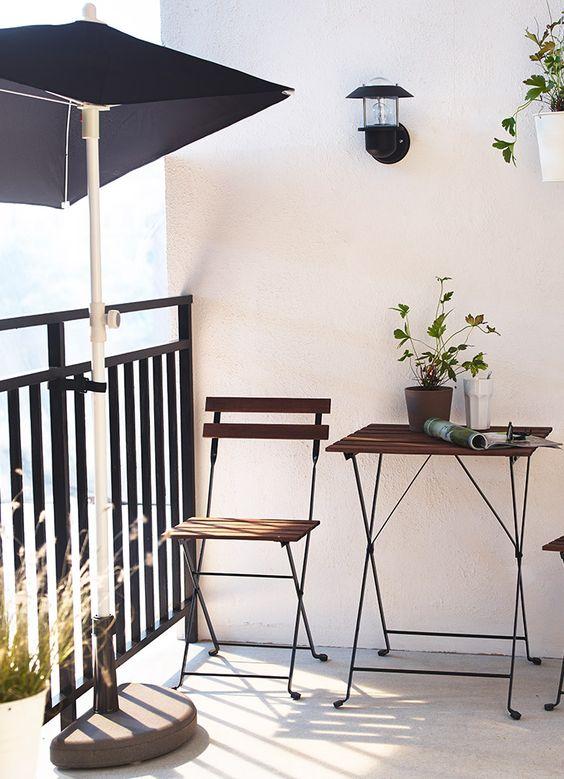 Ideas para decorar balcones peque os decoraci n y mobiliario - Decorar sitios pequenos ...