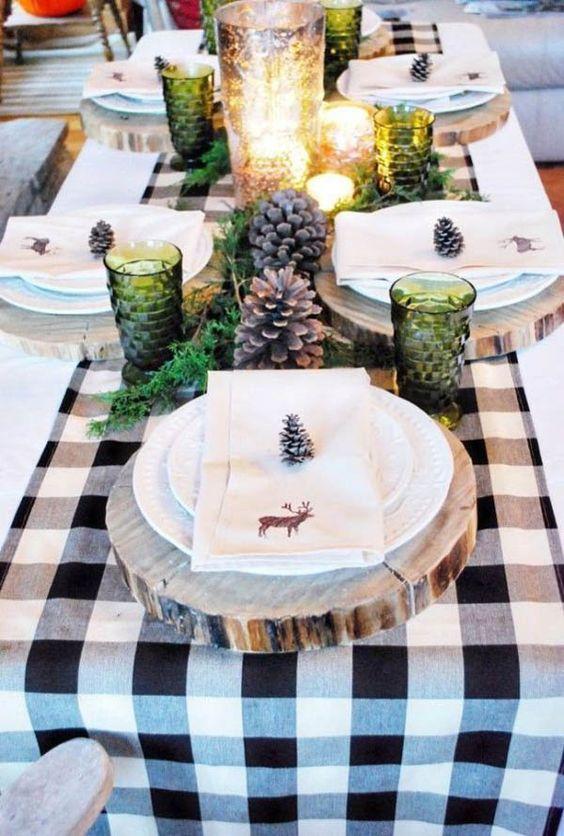 mesa bonita en navidad con vidrio verde