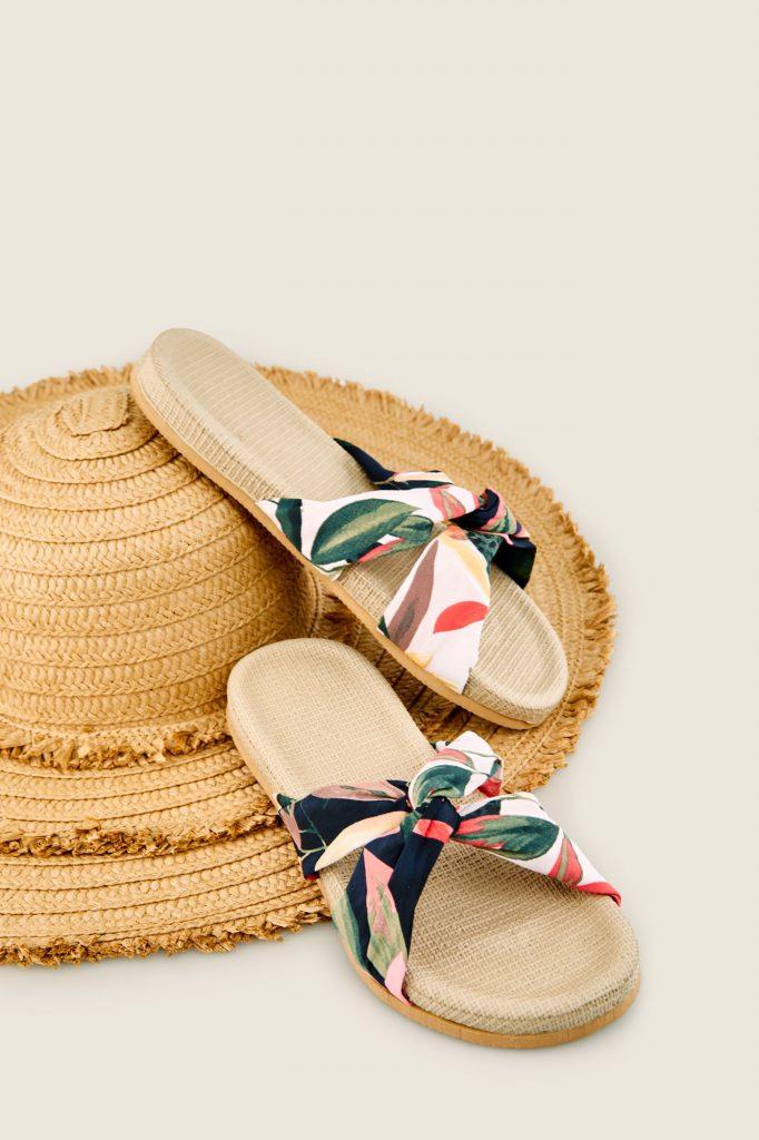 calzado para playa o piscina con estilo
