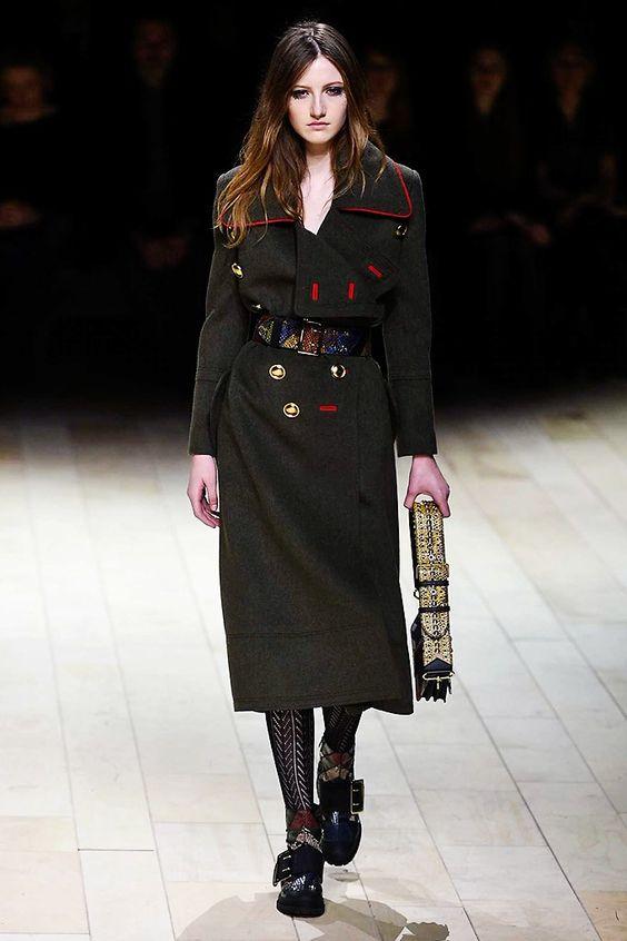 abrigo-burberry-inspiracion-militar