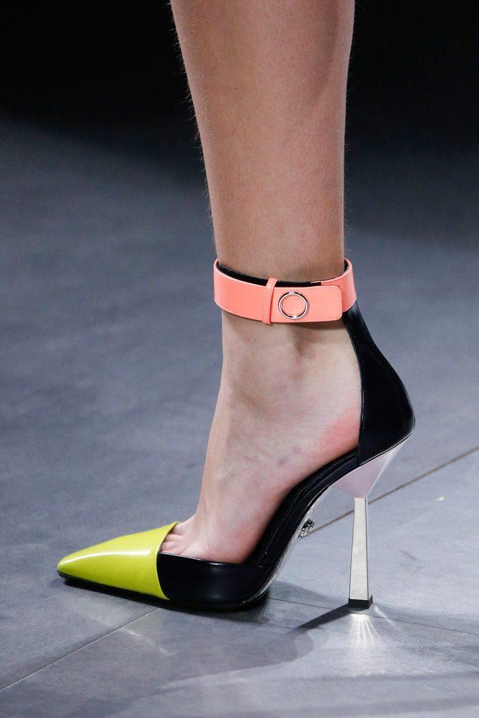sandalia de pulsera como complementos de otoño 2016