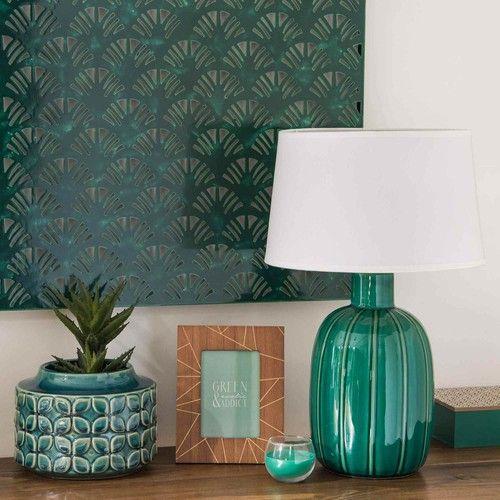 elementos naturales en decoración. Lámpara verde