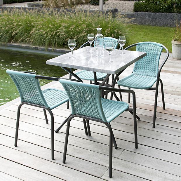 decoración para terrazas de verano con sillas bonitas