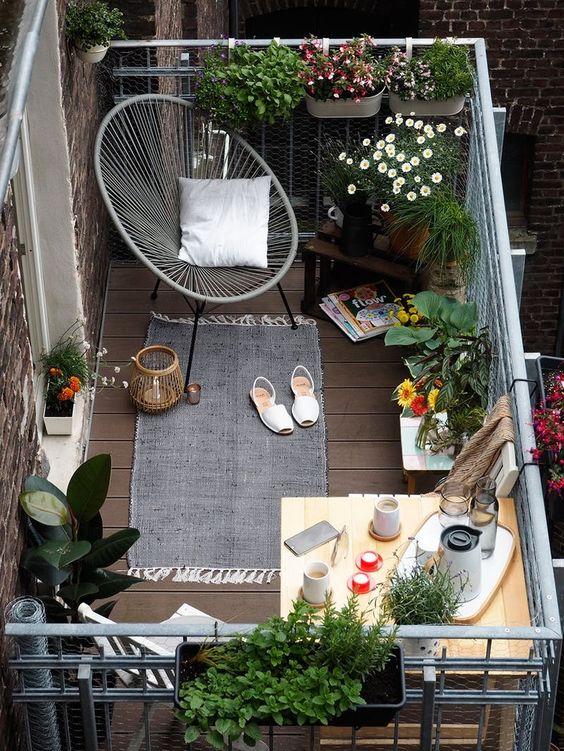 ideas para decorar balcones aprovechando bien el espacio