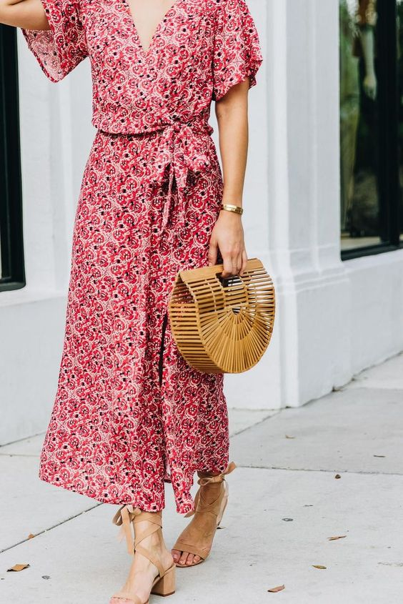 wrap dress con sandalias